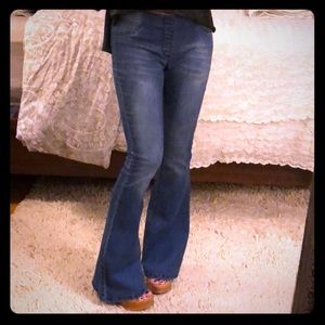 Kenneth Cole Reaction Flare Jeans 4